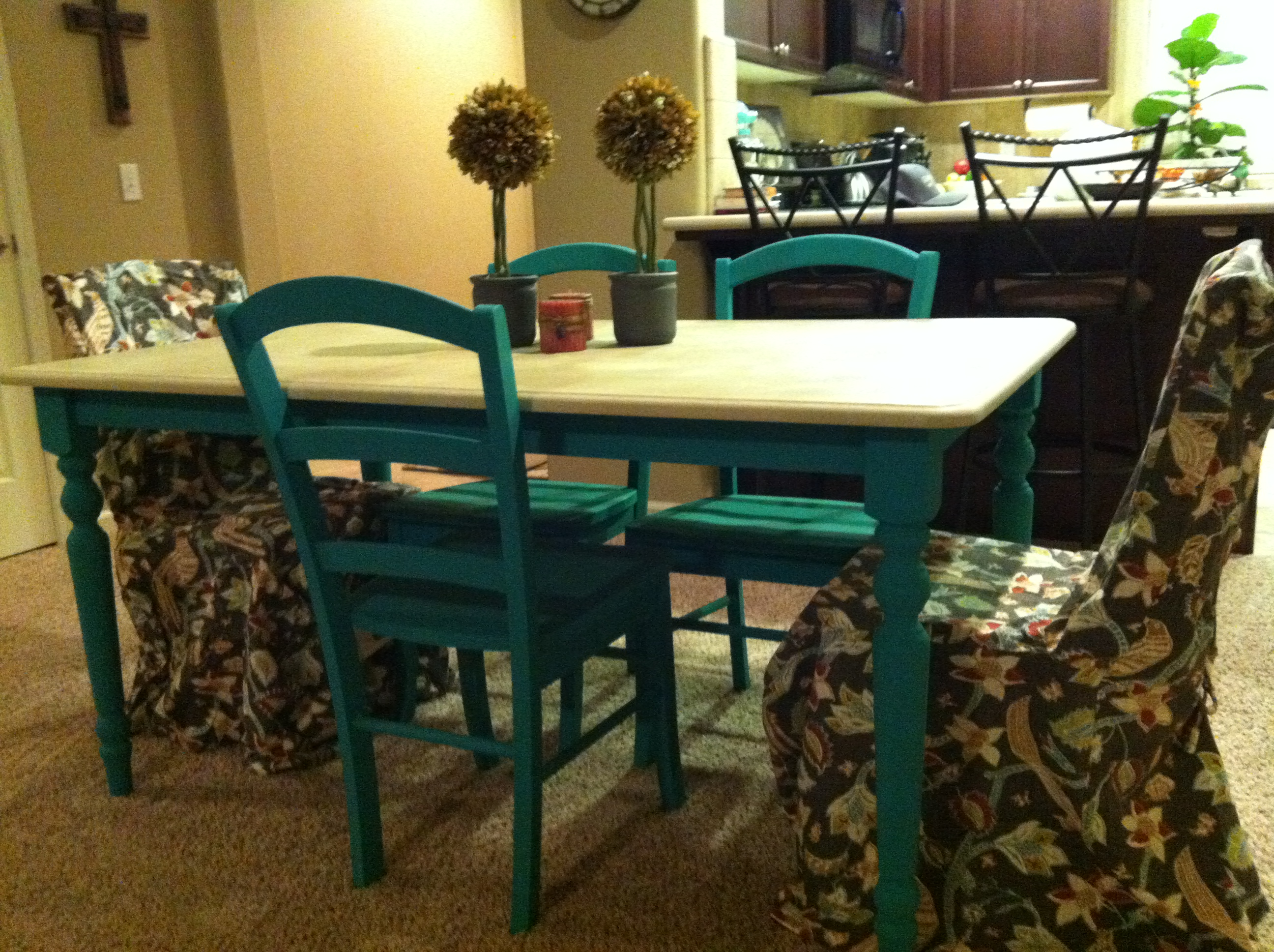 Chalk painted kitchen tables - My Love Affair With Annie Sloan Chalk Paint From Heels To Boots